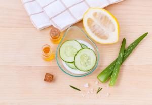 In che modo la nutrizione può influire sulla bellezza? Una dieta a basso indice glicemico, senza alimenti raffinati e latticini, può ridurre l'acne;