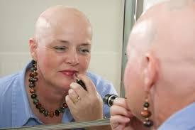"""Dalle 18 con Anna Segatti de """"La forza e il sorriso"""" si parlerà di bellezza e donne in terapia oncologica"""