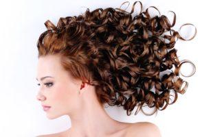 capelli-ricci-trucchi-e-consigli_d61632730354360c6888ad2da2fb0ae8